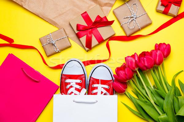 Stock fotó: Köteg · piros · tulipánok · hideg · bevásárlótáskák · dolgok
