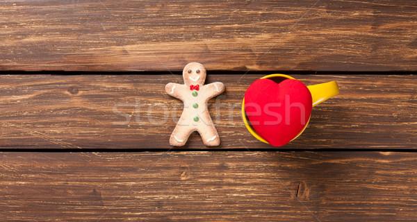 Forme de coeur jouet gingerbread man bois couleur tasse Photo stock © Massonforstock