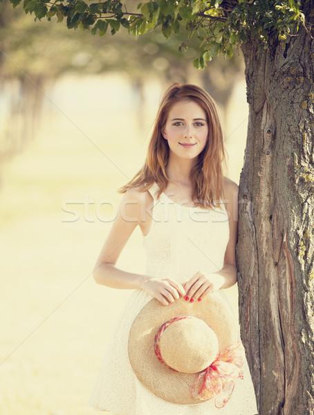 Meisje bomen steegje boom zomer Stockfoto © Massonforstock
