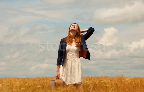 Stok fotoğraf: Kız · bavul · bahar · gökyüzü