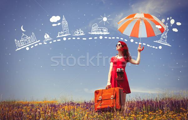 Stock fotó: Lány · vörös · ruha · esernyő · bőrönd · portré · gyönyörű