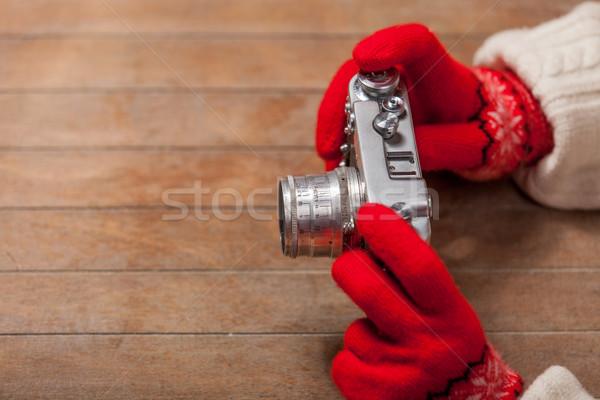 Femenino manos guantes cámara maravilloso Foto stock © Massonforstock