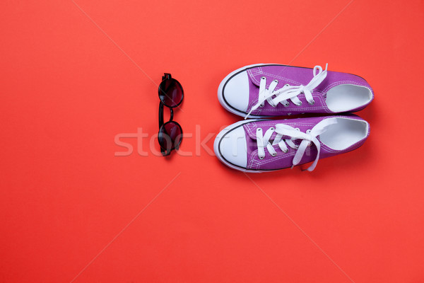 Violette verres rouge mode chaussures vêtements Photo stock © Massonforstock