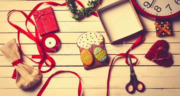 Stockfoto: Pasen · geschenken · tabel · klaar · klok