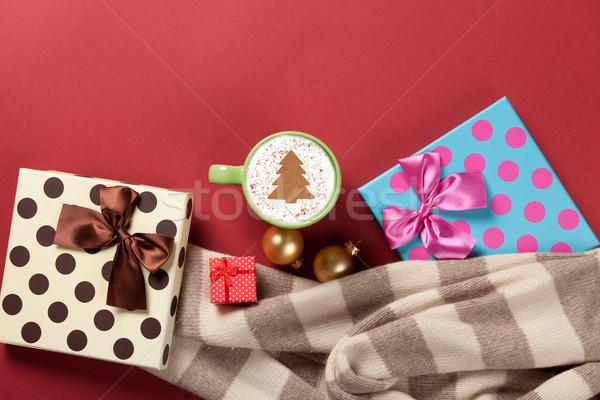 Cappuccino arbre de noël forme cadeaux rouge jouet Photo stock © Massonforstock
