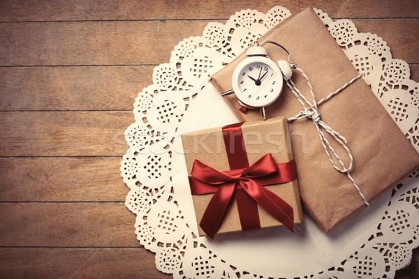 Geschenken klok servet mooie wekker witte Stockfoto © Massonforstock