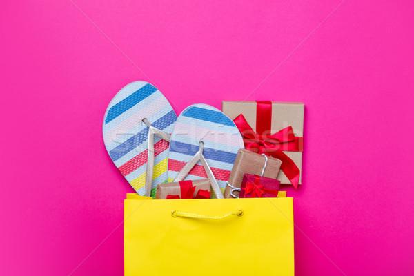 Bonitinho presentes legal sandálias bolsa de compras laptop Foto stock © Massonforstock