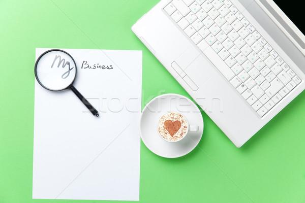 Stock fotó: Papír · kávé · nagyító · laptop · asztal · lap