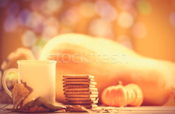 Beker koffie thee cookies najaar voedsel Stockfoto © Massonforstock