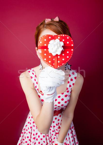 Foto belo mulher jovem vintage pontilhado vestir Foto stock © Massonforstock