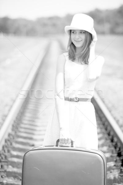 Młodych moda dziewczyna walizkę Fotografia Zdjęcia stock © Massonforstock