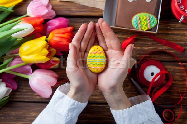 Stock fotó: Női · kezek · tart · húsvét · süti · tojás
