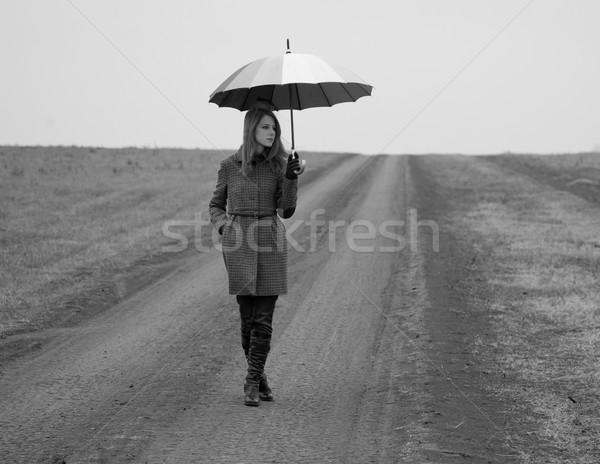 Stockfoto: Eenzaam · meisje · paraplu · foto · oude
