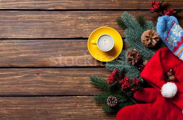 Christmas geschenken beker koffie houten tafel Rood Stockfoto © Massonforstock