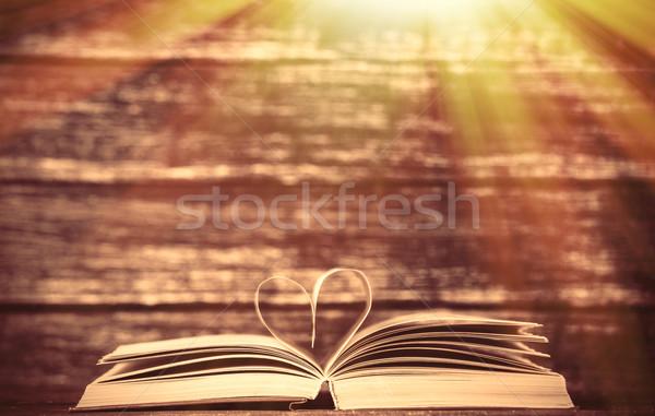 Klasszikus öreg könyvek szív alak fa asztal papír Stock fotó © Massonforstock