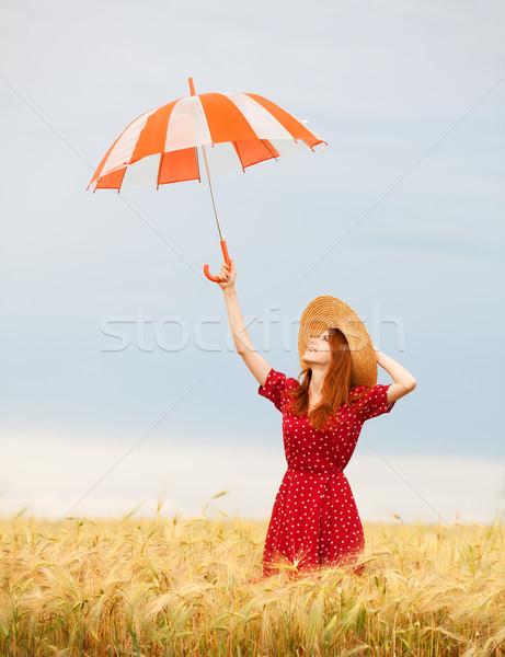 Nina paraguas campo de trigo mujeres naturaleza Foto stock © Massonforstock