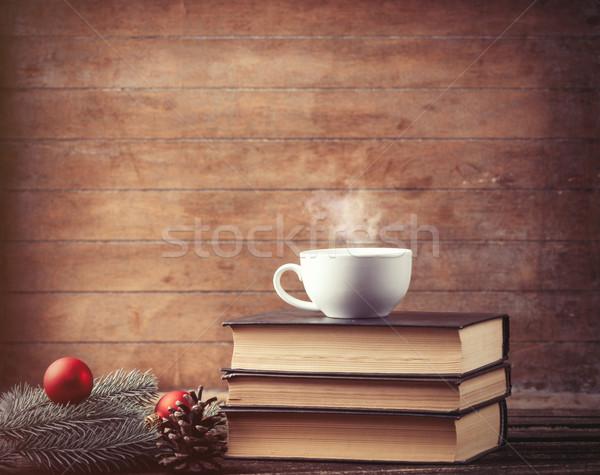 Copo chá árvore de natal livros quente Foto stock © Massonforstock