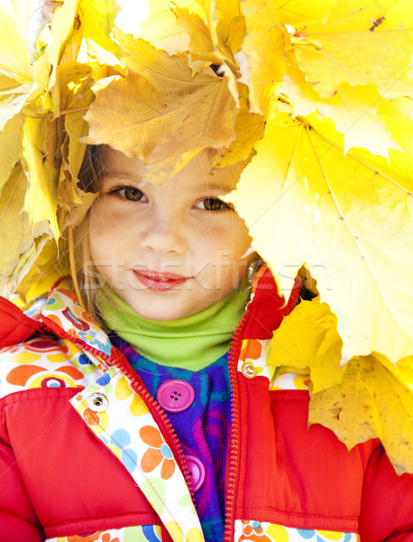 Kind Herbst Park Freien Mädchen Lächeln Stock foto © Massonforstock