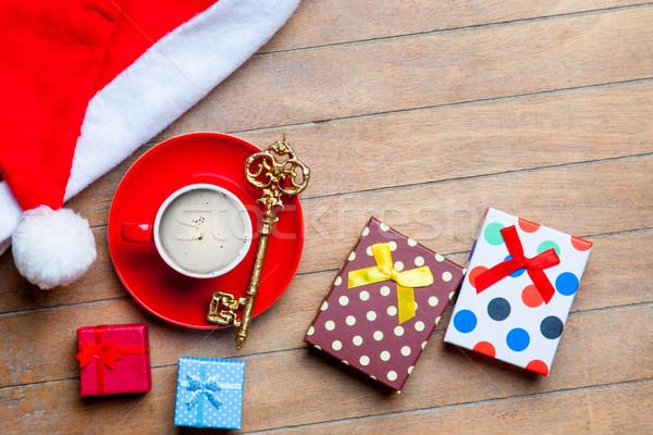 Taza café regalos dorado clave papá noel Foto stock © Massonforstock
