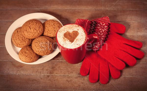 Foto beker koffie plaat vol cookies Stockfoto © Massonforstock