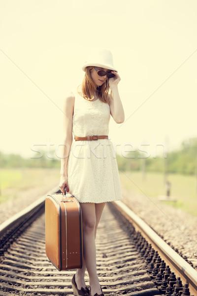 Stockfoto: Jonge · mode · meisje · koffer · glimlach