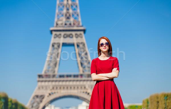 Stok fotoğraf: Güzel · genç · kadın · Eyfel · Kulesi · Paris · Fransa · güzellik