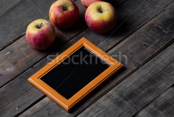Gyönyörű üres keret friss almák csodálatos Stock fotó © Massonforstock