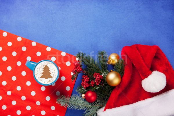 Cappuccino arbre de noël forme cadeaux tasse bleu Photo stock © Massonforstock