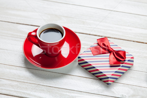 Photo rouge tasse café cute cadeau Photo stock © Massonforstock