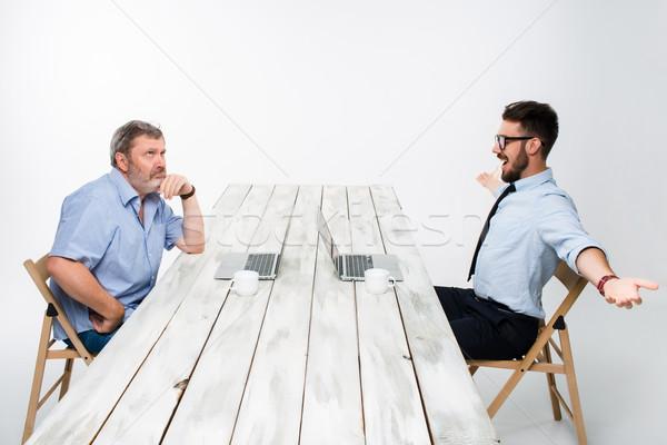 Kettő kollégák együtt dolgozni iroda fehér mindkettő Stock fotó © master1305