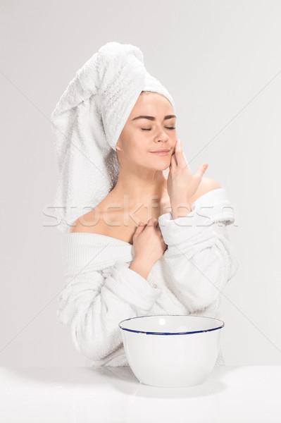 ストックフォト: 女性 · 洗浄 · 顔 · バス · グレー · 手