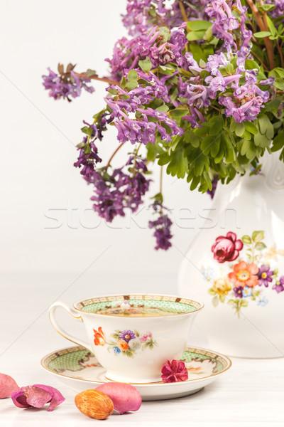 Stock fotó: Tea · citrom · virágcsokor · orgona · asztal · virágok