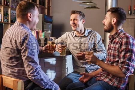 幸せ 友達 飲料 ビール カウンタ パブ ストックフォト © master1305