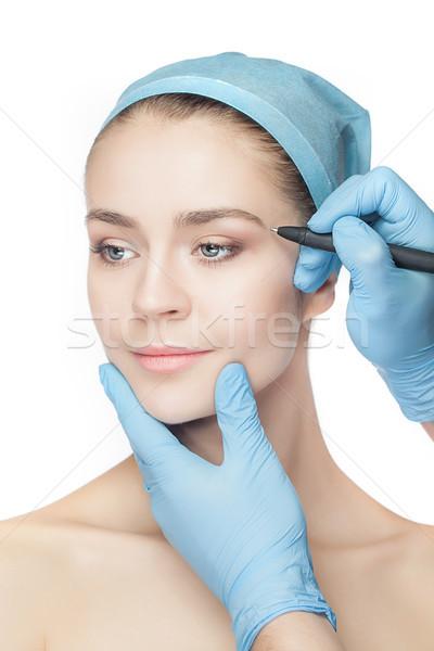Zdjęcia stock: Piękna · młoda · kobieta · chirurgia · plastyczna · operacja · dotknąć · twarz · kobiety