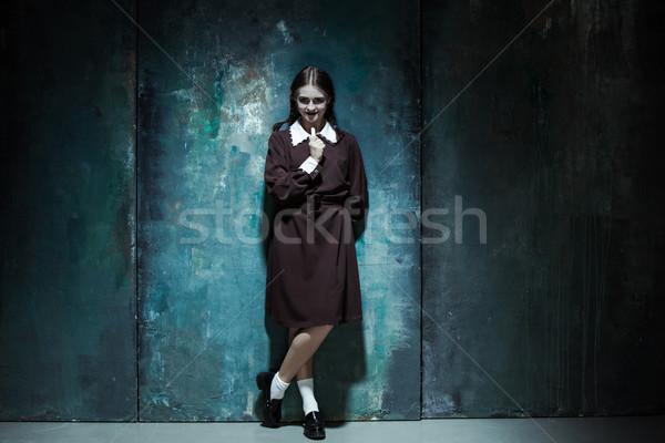 Retrato jóvenes sonriendo nina asesino Foto stock © master1305