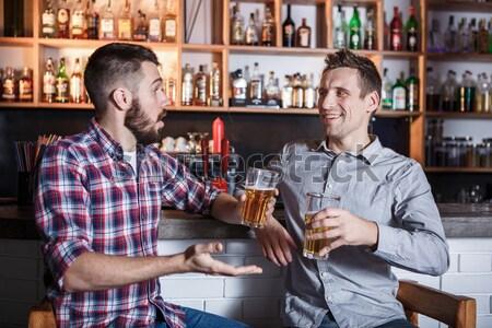счастливым друзей питьевой пива борьбе Паб Сток-фото © master1305
