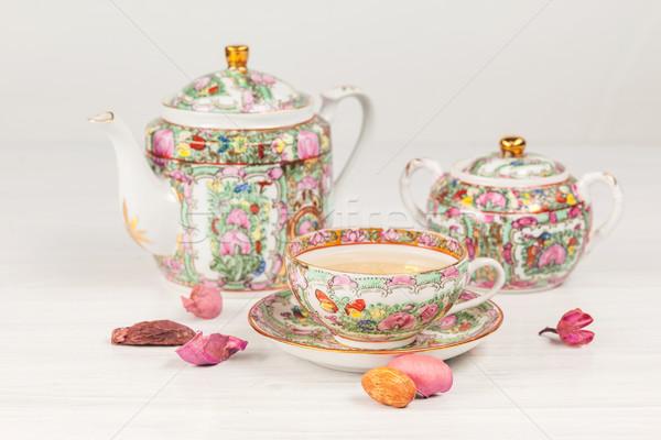 Tè porcellana set tavola bianco tavolo in legno Foto d'archivio © master1305