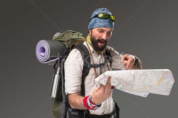 Retrato masculina turísticos mochila cámara gris Foto stock © master1305