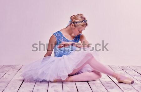 Yorgun balerin oturma pembe güzellik Stok fotoğraf © master1305