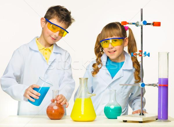 Iki sevimli çocuklar kimya ders Stok fotoğraf © master1305