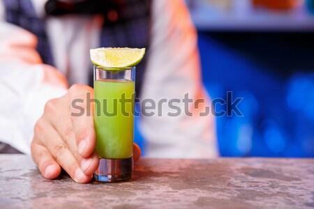 Barman werk cocktails hand dienst Stockfoto © master1305