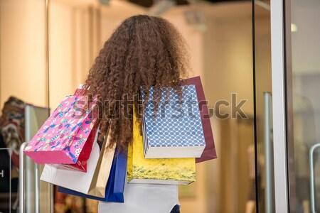 Güzel genç kadın alışveriş merkezi arkadan görünüm iş Stok fotoğraf © master1305