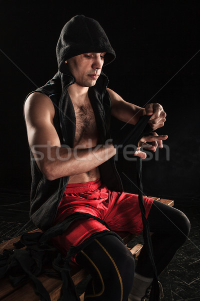 Mani muscolare uomo fasciatura formazione kickboxing Foto d'archivio © master1305