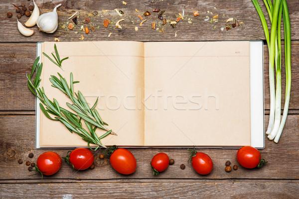Foto d'archivio: Open · ricetta · libro · rosolare · legno · pomodori
