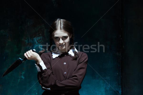 Portré fiatal lány iskolai egyenruha gyilkos nő portré kés Stock fotó © master1305