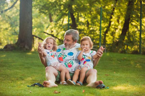 Portret grootvader groen gras familie liefde man Stockfoto © master1305
