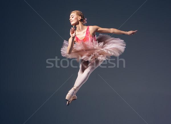 Foto stock: Hermosa · femenino · bailarín · gris · bailarina