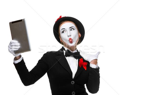 Zakenvrouw afbeelding naar laptop Stockfoto © master1305