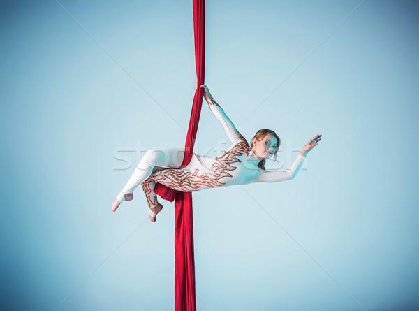 Gracieux gymnaste exercice rouge Photo stock © master1305