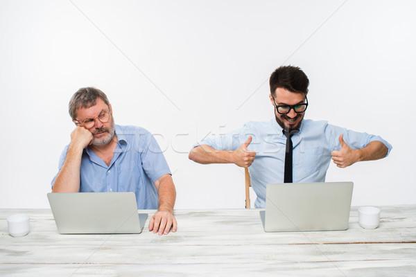 Twee collega's kantoor witte beide Stockfoto © master1305